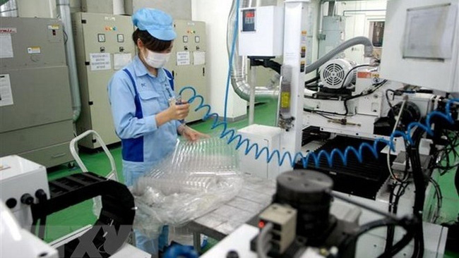 A Japanese-invested production line of electronic products in Hanoi's Quang Minh Industrial Park (Illustrative image. Source: VNA)
