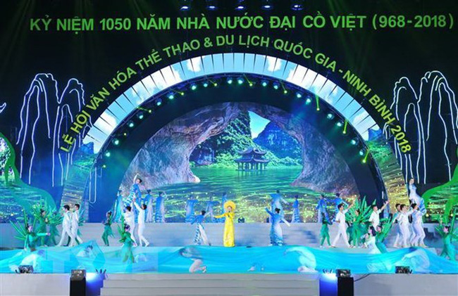 A dancing performance at the opening ceremony of the National Culture, Sports and Tourism Festival - Ninh Binh on October 28 (Photo: VNA)