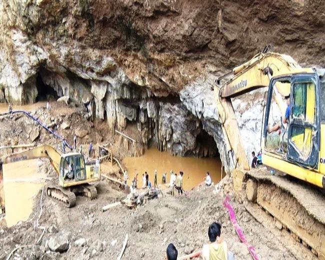 Vụ sập hầm vàng tại Hòa Bình: Công tác cứu hộ gặp khó khăn do mưa lớn - ảnh 1
