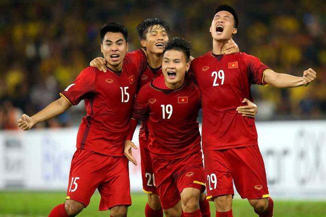 Trận chung kết lượt về AFF Cup 2018 giữa ĐT Việt Nam và ĐT Malaysia sẽ diễn  ra lúc 19h30 hôm nay (15/12) trên sân Mỹ Đình. Trận đấu này được tường ...
