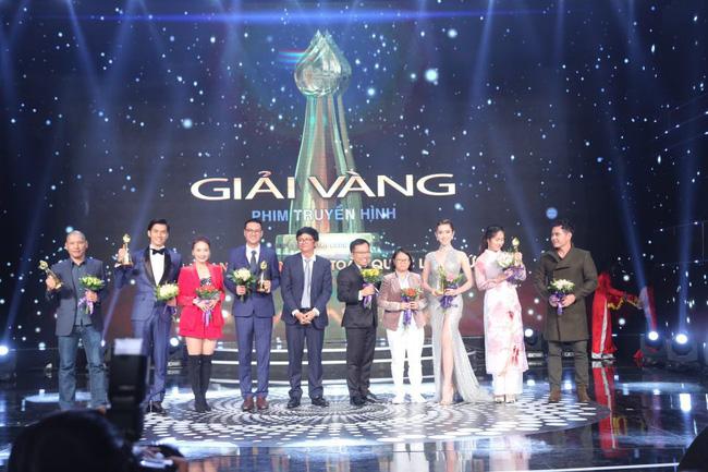 Ông Trần Bình Minh, Tổng Giám đốc Đài THVN, Chủ tịch LHTHTQ lần thứ 38 trao giải Vàng thể loại Phim truyện truyền hình.