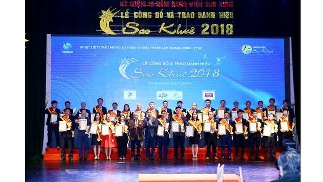 This year's Sao Khue Awards have been presented to 73 outstanding software products and IT services. (Photo: ictnews.vn)