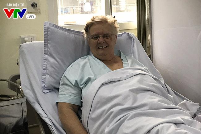 Cấp cứu kịp thời một du khách người nước ngoài bị nhồi máu cơ tim tại sân bay - ảnh 3
