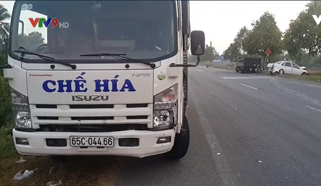 Hậu Giang: Va chạm giữa ô tô 4 chỗ và xe tải, 7 người bị thương - ảnh 5
