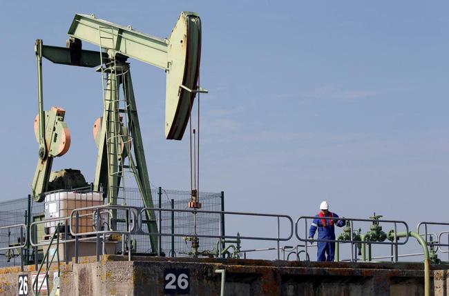 Giá dầu thế giới giảm hơn 1 USD/thùng - ảnh 2