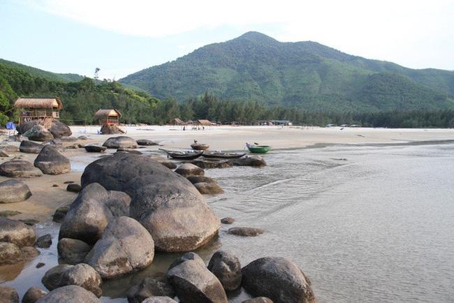Mê mẩn nét đẹp hoang sơ biển Lộc Bình - ảnh 23