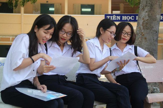 Giao lưu trực tuyến: Giải đề thi vào lớp 10 THPT năm học 2020-2021 tại Hà Nội - ảnh 3