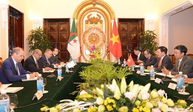Tăng cường quan hệ hữu nghị truyền thống Việt Nam - Algeria - ảnh 2
