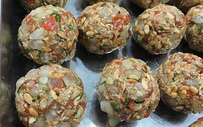 Phong phú chất liệu làm bánh trung thu handmade | VTV.VN
