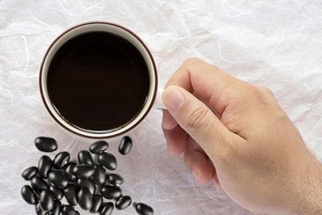 Uống nước đậu đen hàng ngày có tốt cho sức khỏe? | VTV.VN