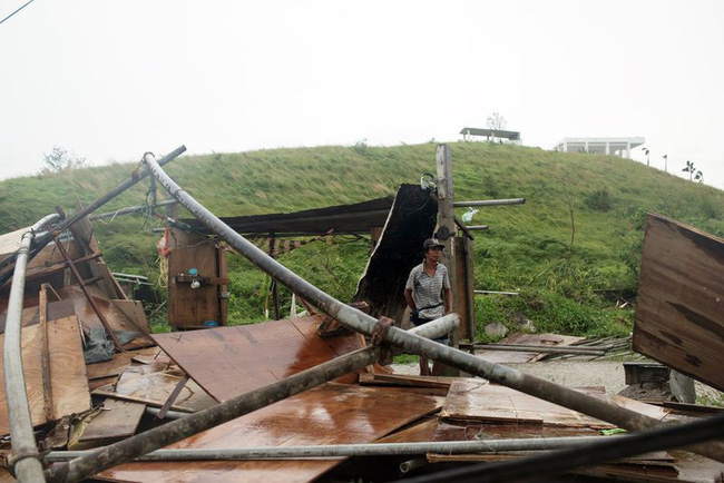 Philippines: Siêu bão Mangkhut đổ bộ đảo Luzon, ít nhất 7 người thương vong - ảnh 2