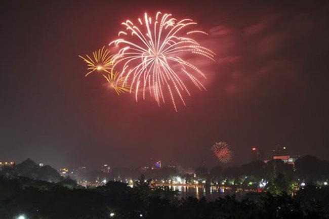 Hà Nội sẽ bắn pháo hoa tại 30 điểm dịp Tết Nguyên đán 2018 - ảnh 2