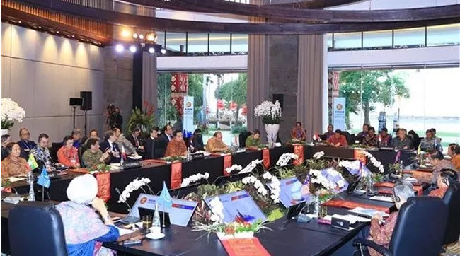 Overview of the ASEAN Leaders' Gathering in Bali, Indonesia, on October 11 (Photo: VNA)