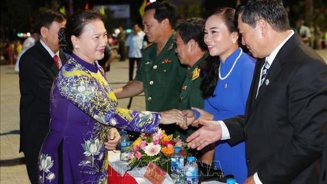 NA Chairwoman Nguyen Thi Kim Ngan (L) and delegates at the ceremony. (Photo: VNA)