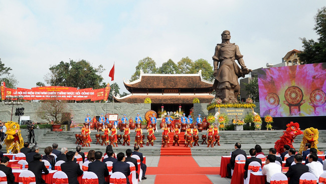 The ceremony to mark the 230th anniversary of Ngoc Hoi - Dong Da victory (Photo: Tran Hai/NDO)
