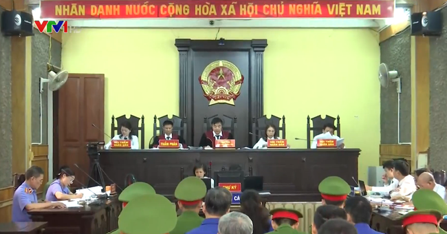 Mở lại phiên tòa sơ thẩm xét xử vụ án gian lận điểm thi THPT Quốc gia 2018 tại Sơn La - ảnh 2