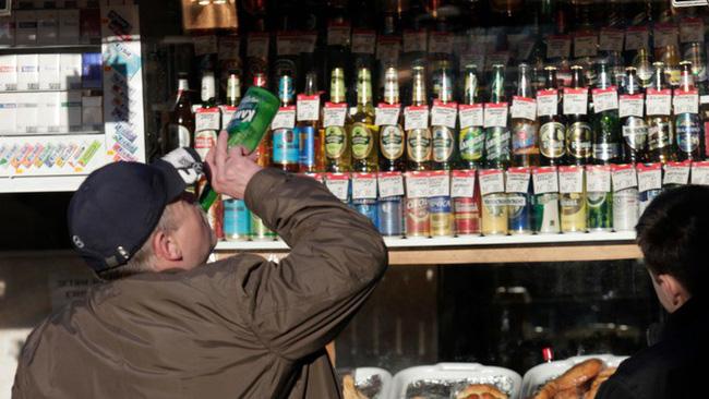 Giảm mạnh tiêu thụ rượu tại Nga