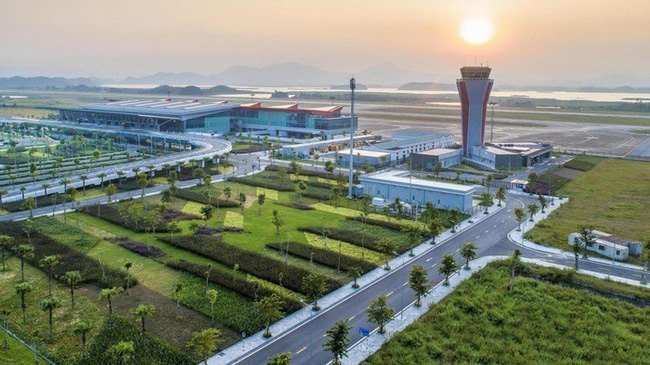 Van Don International Airport in the northern province of Quang Ninh.