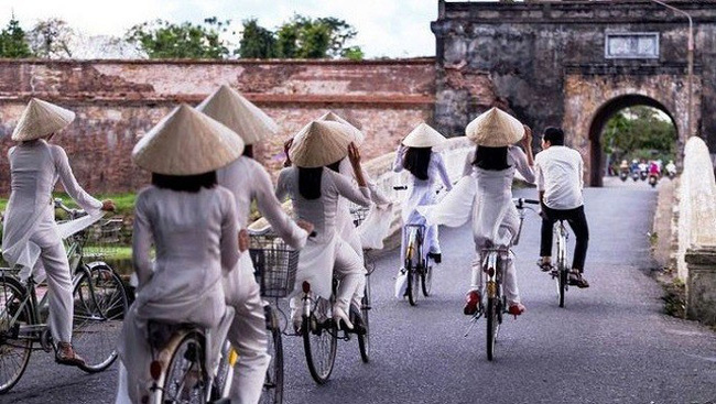 Bicycle tourism service launched in Hue city