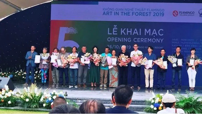Outstanding artists awarded at the opening ceremony for the exhibition