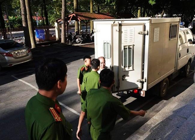 Sáng nay, xử kín cựu hiệu trưởng dâm ô 7 nam sinh tại Phú Thọ - ảnh 2
