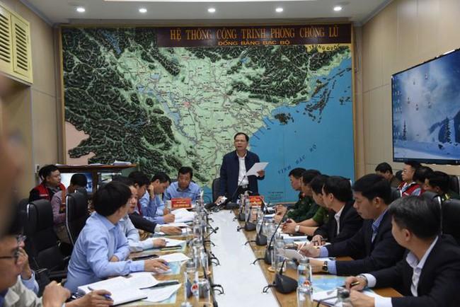 Bộ trưởng Nguyễn Xuân Cường: Cần theo dõi sát diễn biến ANTĐ có thể mạnh lên thành bão số 5 - ảnh 1