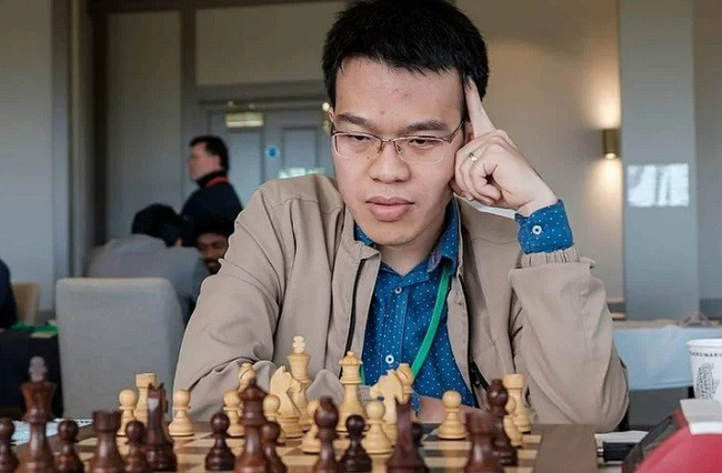 Grandmaster Le Quang Liem is now on a ten-game unbeaten run at the FIDE Grand Swiss 2019, including three wins and seven draws. (Photo: Chess.com)