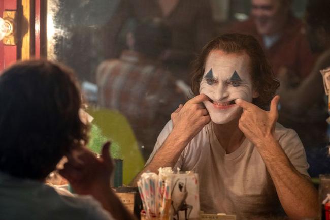"""""""Joker"""" trở thành phim chuyển thể từ truyện tranh có lợi nhuận cao nhất mọi thời đại - ảnh 4"""