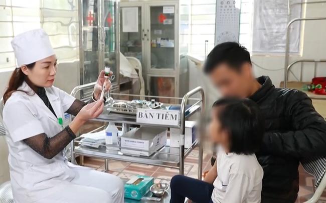 UNICEF cảnh báo việc gián đoạn tiêm chủng cho trẻ vì đại dịch COVID-19 - ảnh 1