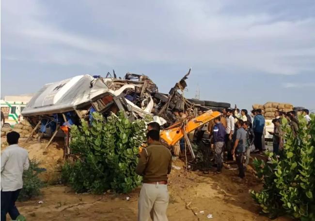 Tai nạn giao thông tại Ấn Độ khiến hơn 10 người thiệt mạng - ảnh 3