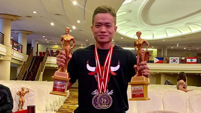 Female bodybuilder Nguyen Bich Tram claims a double of gold medals for Vietnam.
