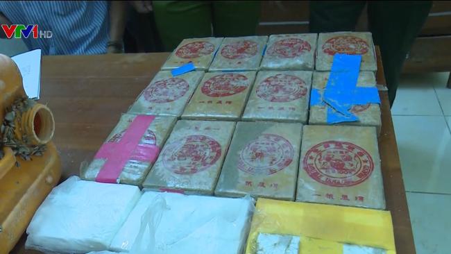Thu giữ số lượng lớn ma túy trôi dạt vào bờ biển - ảnh 2