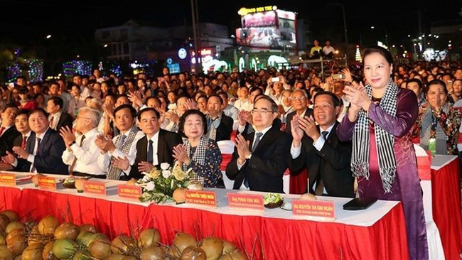 Chairwoman of the National Assembly Nguyen Thi Kim Ngan attends the festival. (Credit: VOV)