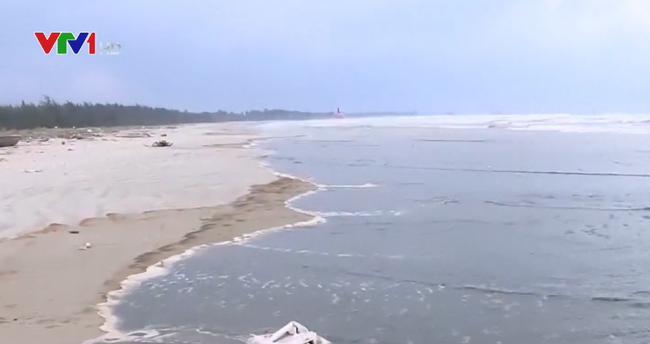 Nước biển Quảng Ngãi đổi màu cà phê: Nồng độ pH vượt mức cho phép - ảnh 2