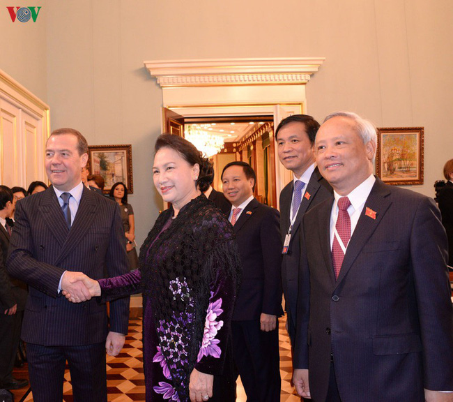 Thúc đẩy tháo gỡ vướng mắc của doanh nghiệp dầu khí Nga tại Việt Nam