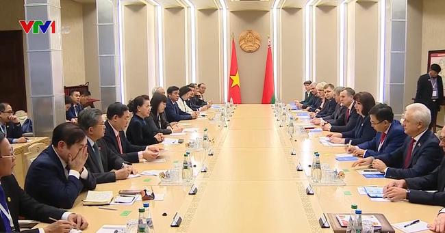 Chủ tịch Quốc hội Nguyễn Thị Kim Ngân hội đàm với Chủ tịch Thượng viện Belarus - ảnh 2