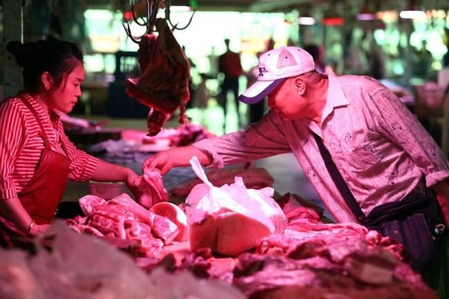 """Trung Quốc: Khủng hoảng thịt lợn khiến tài sản của nhiều """"đại gia"""" tăng vọt - ảnh 2"""