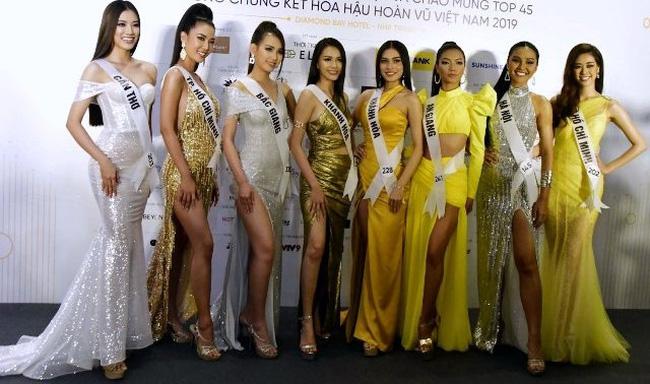 Beauties at the press conference (Photo: Bao Van hoa)