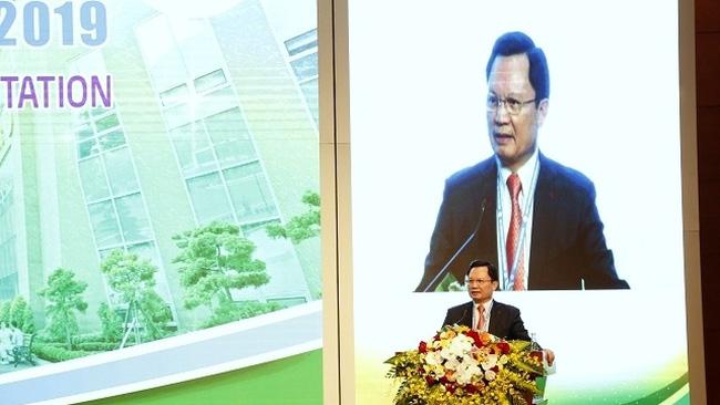 Professor, Dr. Lieutenant General Mai Hong Bang, Director of Military Hospital 108, speaks at the conference. (Photo: NDO/Lam Tran)