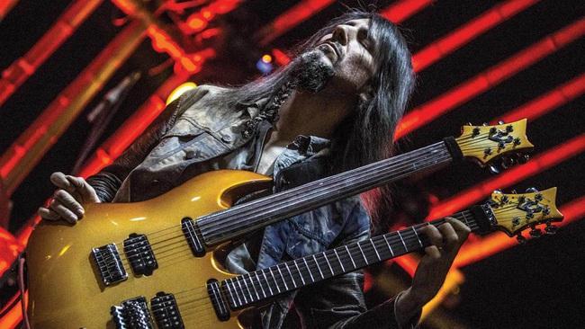 Cựu thành viên ban nhạc rock huyền thoại Guns N' Roses lần đầu đến Việt Nam - ảnh 2