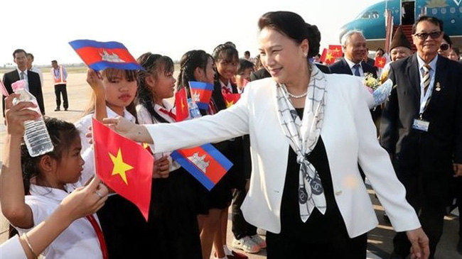 National Assembly Chairwoman Nguyen Thi Kim Ngan arrives in Siem Reap, Cambodia on January 14. (Photo: VNA)