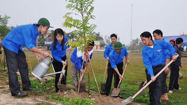 People across Vietnam eagerly join the Tet tree-planting festival every spring.