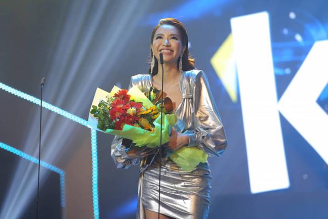 Singer Bich Phuong won MV of the Year award