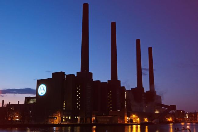 Volkswagen dự kiến sản xuất 22 triệu xe điện trong 10 năm tới - ảnh 1