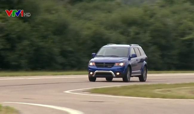 Fiat Chrysler thu hồi gần 863.000 xe chạy bằng xăng tại Mỹ - ảnh 2