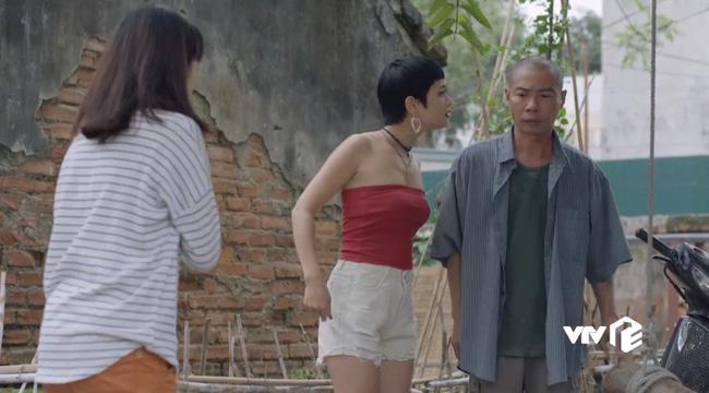 Những cô gái trong thành phố - Tập 24: Chưa kịp vui mừng vì Lâm tặng điện thoại mới, Lan đã bị Ly xúc phạm quá đáng - ảnh 5