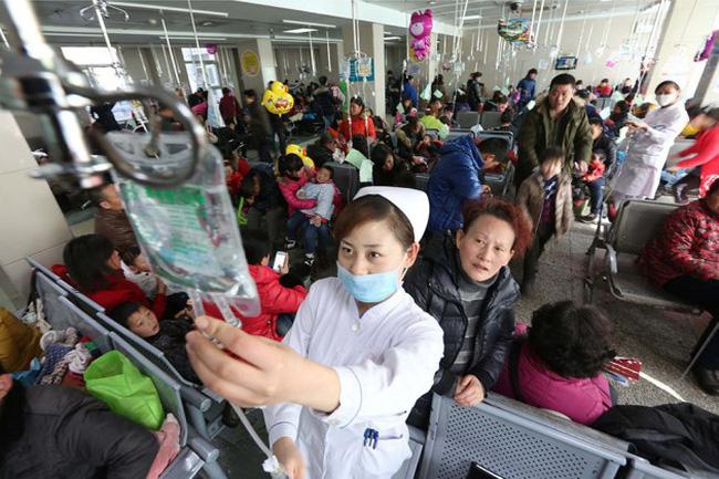 Trung Quốc thiếu trầm trọng bác sĩ nhi khoa - ảnh 1