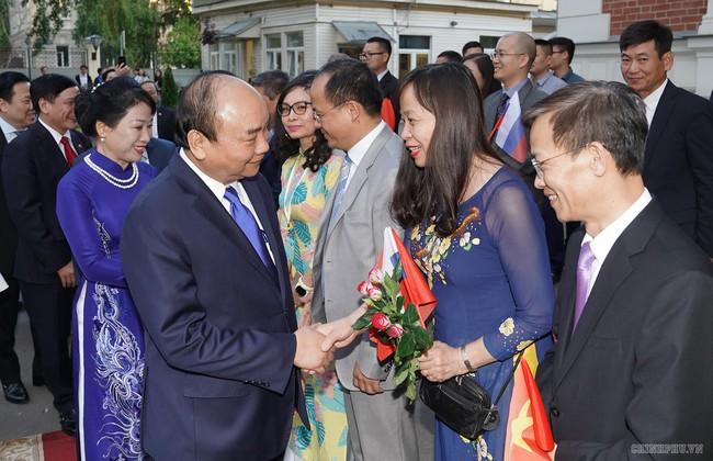 Thủ tướng: Mỗi người Việt ở Nga cố gắng là đại lý tiêu thụ hàng Việt - ảnh 1