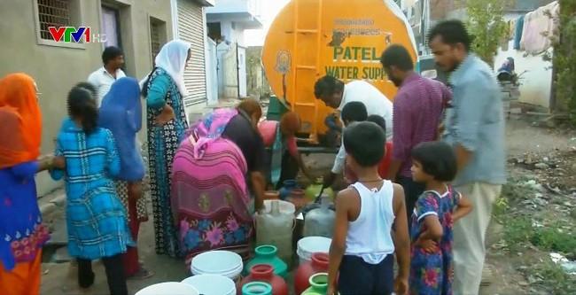Nắng nóng và khan hiếm nước tại Karnataka, Ấn Độ - ảnh 1