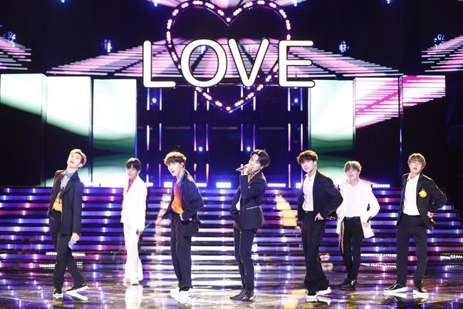 BTS tiêu thụ số vé kỷ lục trong tour lưu diễn vòng quanh thế giới - ảnh 2